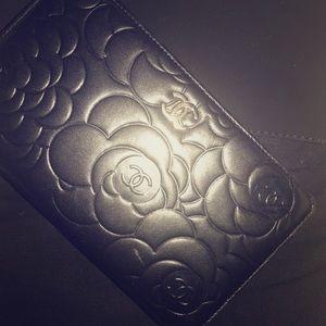 Chanel Camelia lambskin wallet